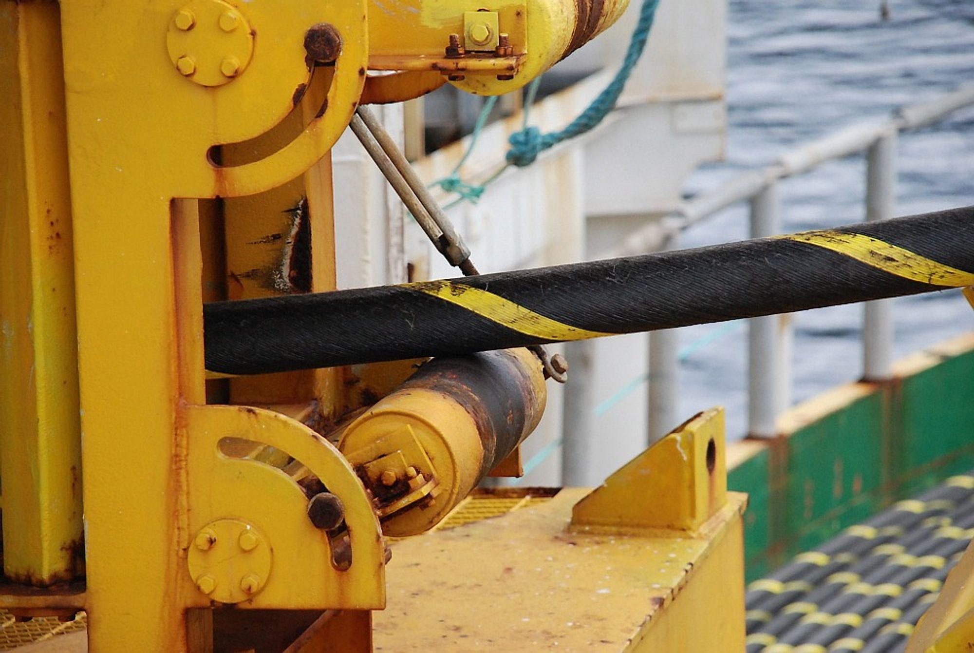 Nexans, ABB og Prysmian skal bygge den nye strømkabelen mellom Norge og Storbritannia.