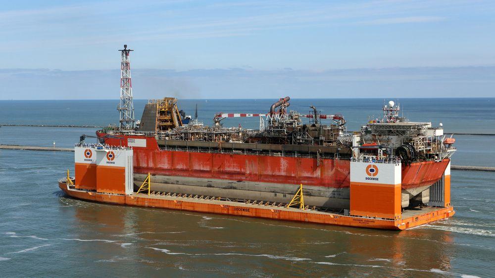 Armada Intrepid om bord på Dockwise Vanguard.