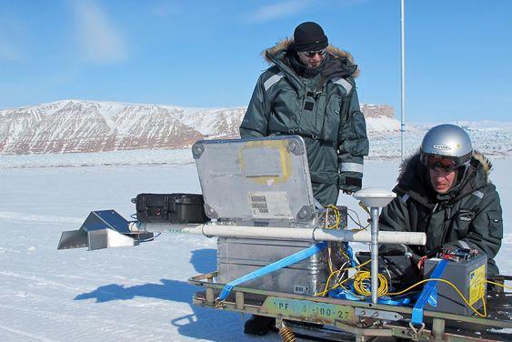 Den første Rimfax-prototypen er blitt testet på Svalbard i vår, og følges nå av en «engineering model» som er lik den radaren som skal til Mars.
