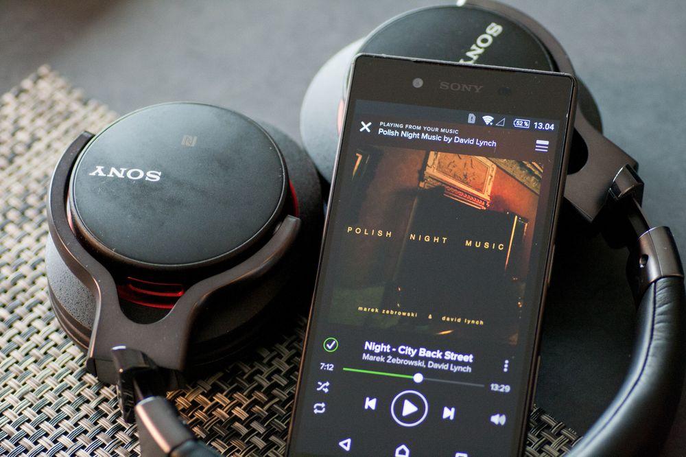 Sonys blåtannklokker låter veldig bra også når du strømmer musikken til dem fra tjenester som Spotify.