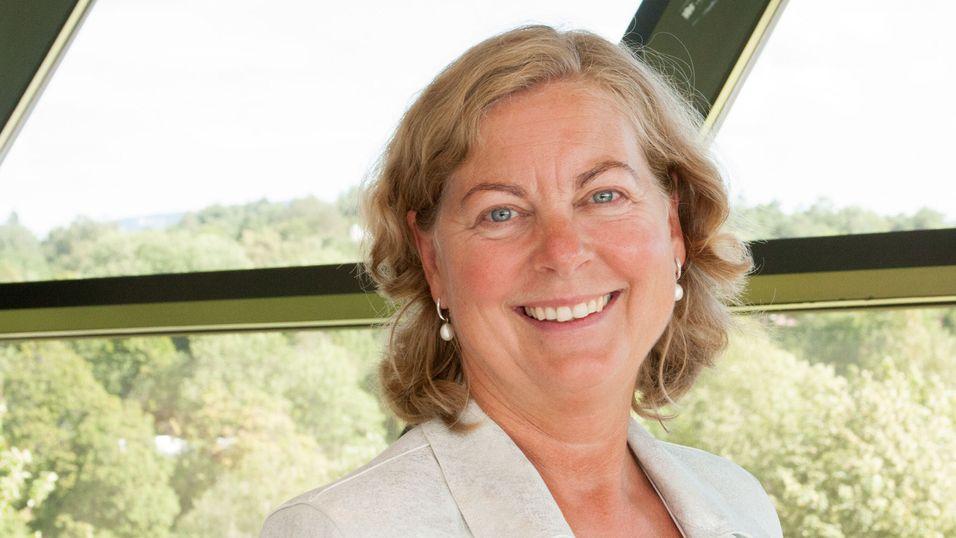 Berit Svendsen håper på kraftfulle initiativ fra den politiske ledelsen, slik at jobben med å digitalisere og effektivisere Norge kan skyte fart.
