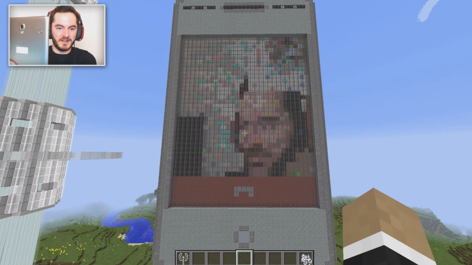 Slik ser den Minecraft-skapte mobilen ut.