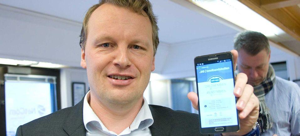 Teknisk direktør Jon Christian Hillestad i Teliasonera ønsker seg sammenhengende spektrum og må nå forhandle med Telenor for å eventuelt få det til. Hvis ikke vil 4G+-teknologi etter hvert sannsynligvis kunne utnytte spektrum som ikke er sammenhengende. Her fra lanseringen av 4G+ i Kristiansand. .