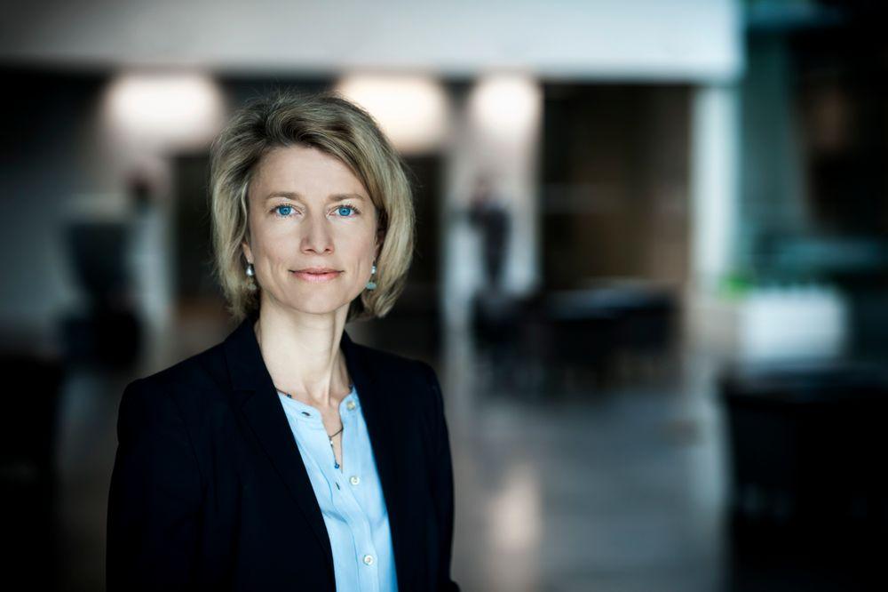 KMDs konsernsjef Eva Berneke varsler at oppkjøpet av norske Banqsoft er ledd i en plan om internasjonal vekst.