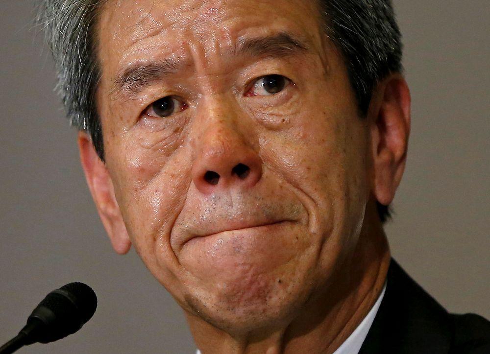 Toshiba-toppsjef Hisao Tanaka under en pressekonferanse i Tokyo i mai i år, da det ble nedsatt en ekstern granskningskomite for å undersøke regnskapsjukset. Tanaka må nå trolig gå av.