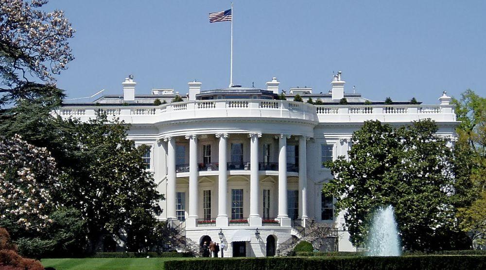Det hvite hus ville ikke kommentere granskningen overfor Reuters, man har siden sendt ut et formelt dementi som sier at en slik granskning ikke har funnet sted.