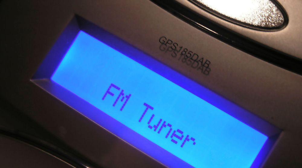 For at FM-båndet skal slukkes i 2017, må minst 50 prosent av lytterne høre på digital radio innen 1. januar 2015.