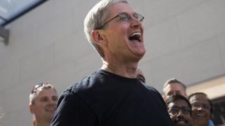 iPhone-salget skyter til værs. iPad stuper