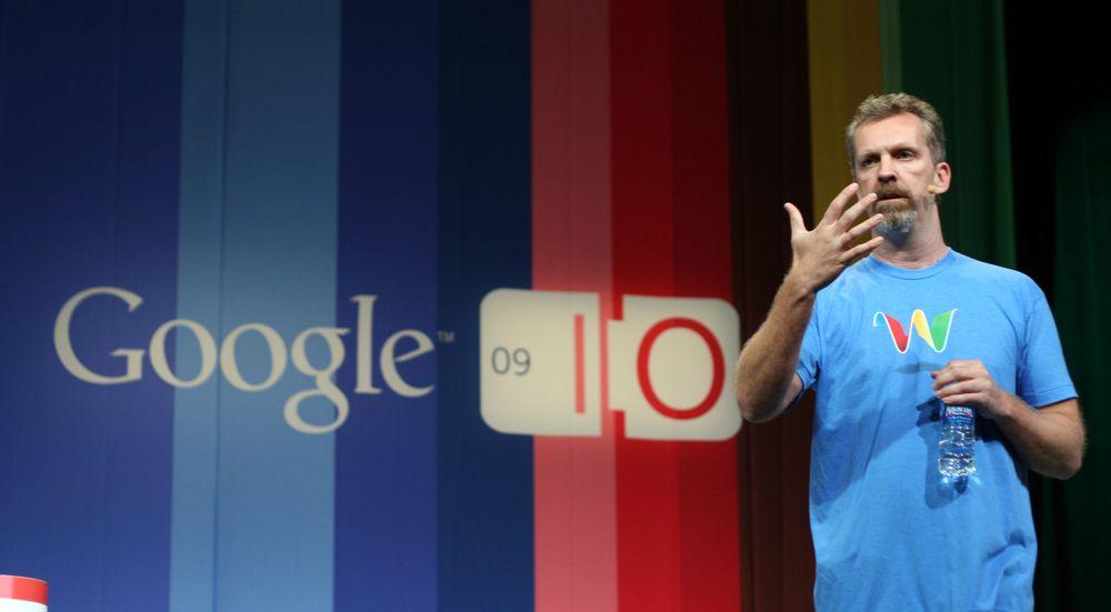 Lars Rasmussen da han viste frem Google Wave i 2009.