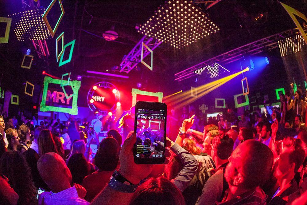 INSPIRASJON: Hva kan vi lære av verdens største teknologi- og kulturarrangement, spør Fredrik Syversen i gledesrus etter å ha besøkt SXSW i Austin, Texas. (Bildet er fra årets Nas-konsert under SXSW).