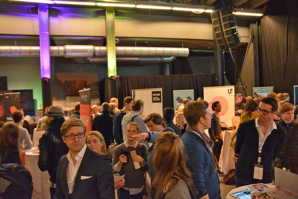 Det er viktig å møte studentene. De velger bedriftene de kjenner til. Her et bilde fra en karrieredag i våres hos den nye sammenslåtte høyskolen Westerdals i Oslo.