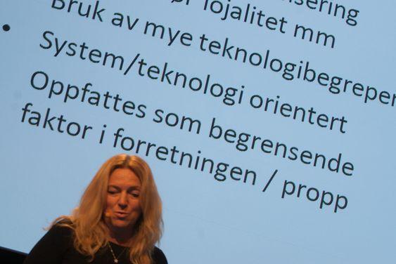 TEKNOSNAKK: Konserndirektør i Lyse Tele og styreleder i Altibox, Toril Nag holdt innlegget «hvordan selge sikkerhet til en leder». Et klart råd til tilbyderne av løsninger var å tone ned bruken av teknologibegreper.