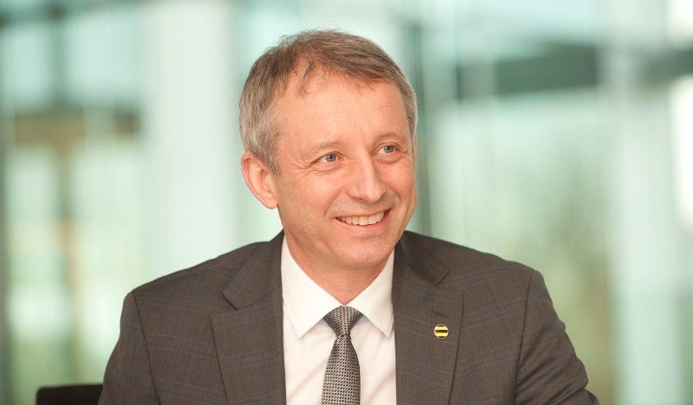 Styreformann i Evry, Jo Lunder, er siktet for korrupsjon under sin tid som konsernsjef i Vimpelcom.