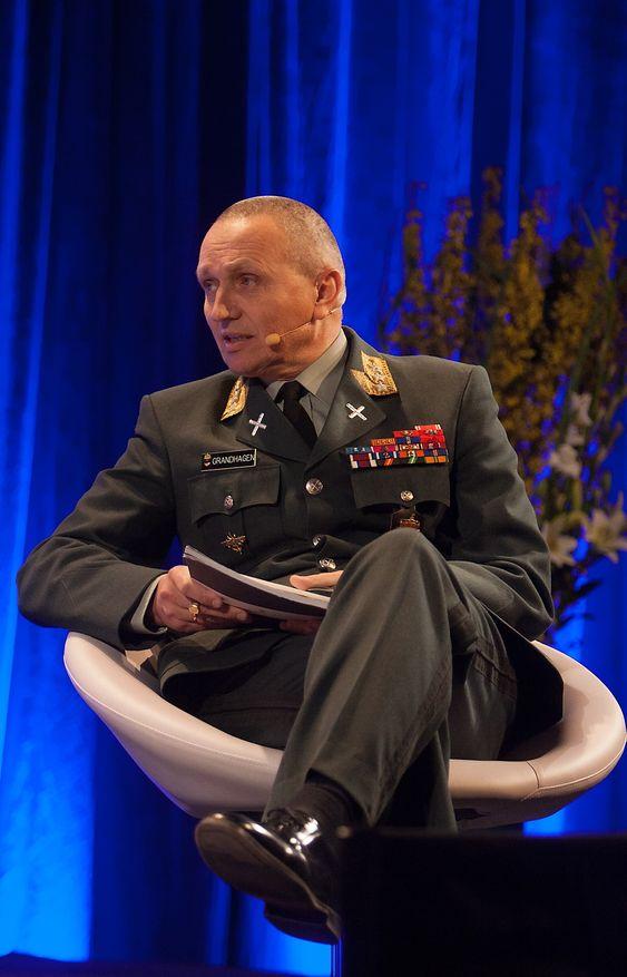Kryptering er en utfordring, sier generalløytnant Kjell Grandhagen, sjef for den norske etterretningstjenesten.