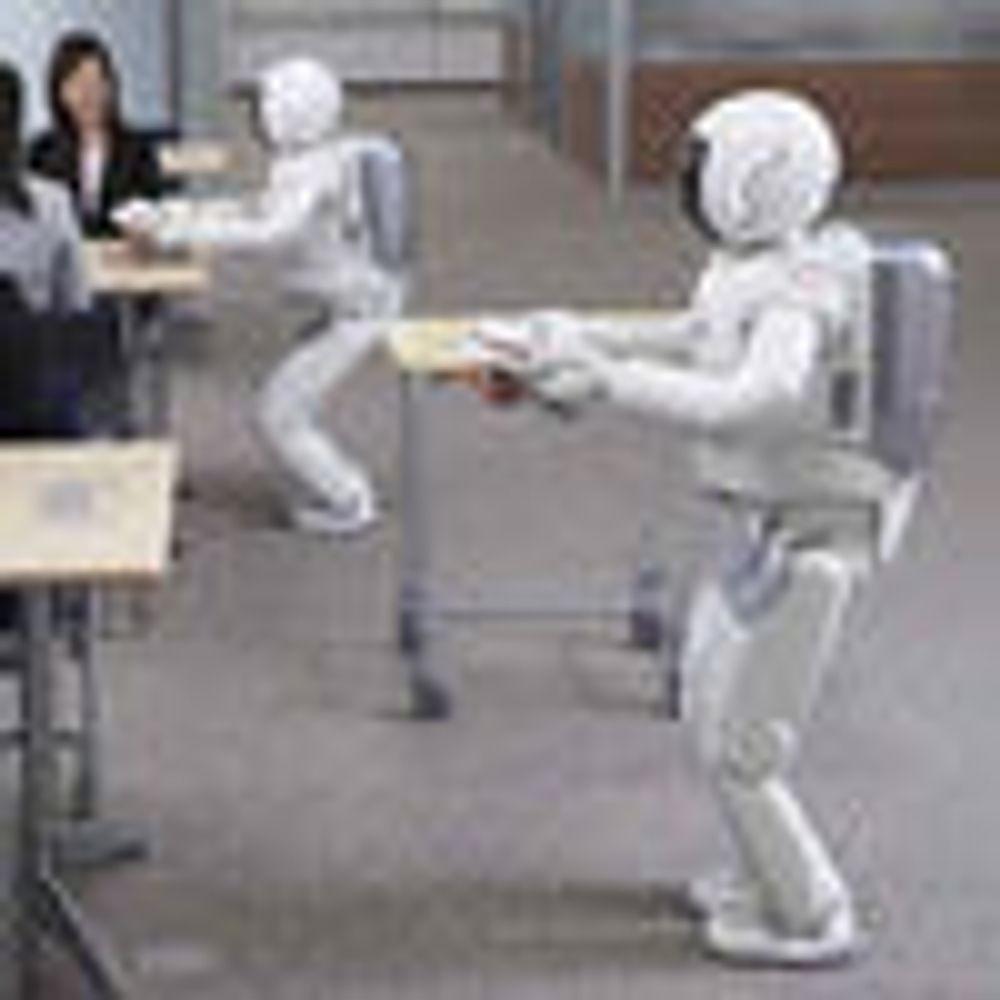 Hondas robot gjør kelneren arbeidsløs