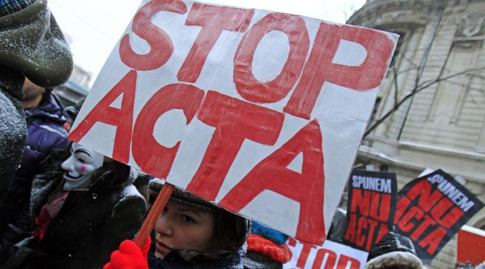 Det ble demonstrert mot ACTA over hele Europa lørdag 11. februar, her i Bucharest i Romania.