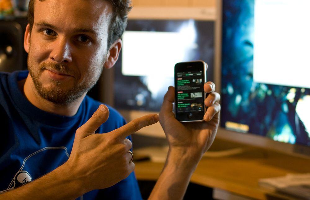 Martin Sivertsen er kanskje mest kjent fra Klikk TV, men han er også utvikler, designer, musiker og journalist. På fritiden har han laget en iPhone-applikasjon.