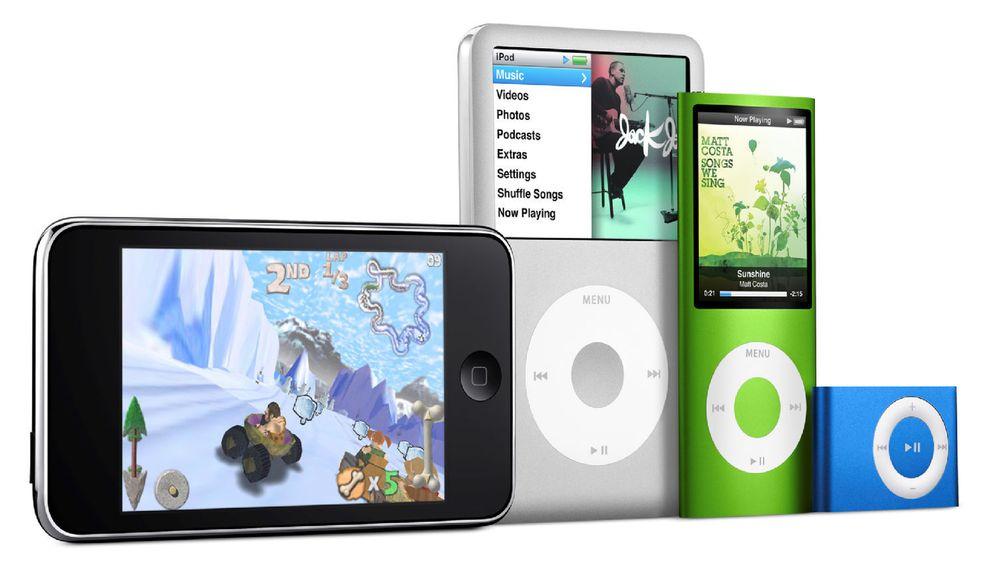 iPod-familien slik den fremstår i dag. Fra venstre: den nye Touch, den uendrede Classic, den nye Nano, og den uendrede Shuffle.