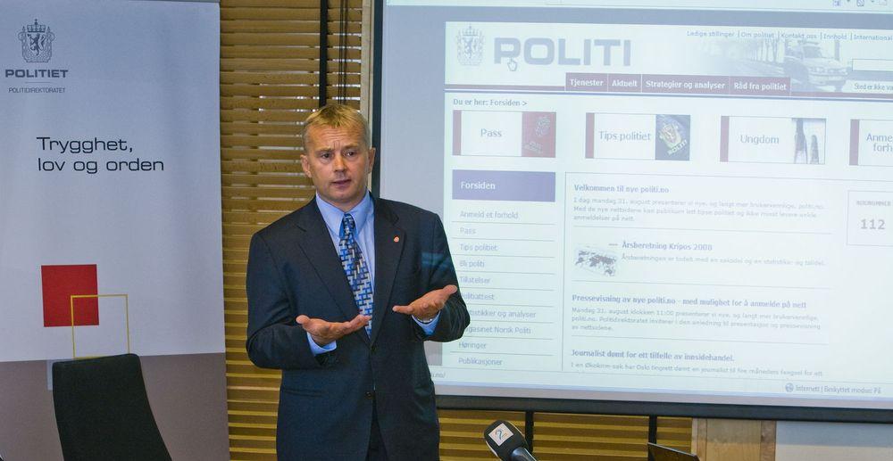 Kanskje blir det flere anmeldelser som følge av den nye publikumstjenesten på politi.no, mente justisminister Knut Storberget. (Foto: Per Ervland)