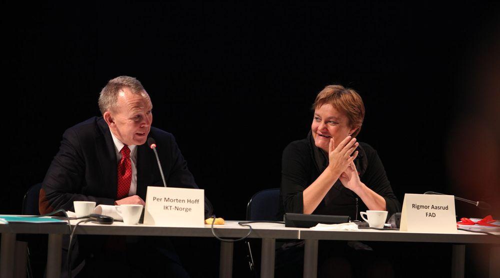 Forslagene i statsbudsjettet er et steg i riktig retning, mener Per Morten Hoff. Han er imidlertid skuffet over bevilgningene til IT-systemer i politiet.
