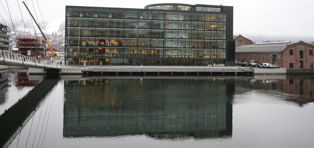 Friprogsenteret som holder til på Papirbredden i Drammen gleder seg over stor satsing på fri programvare i helsevesenet.