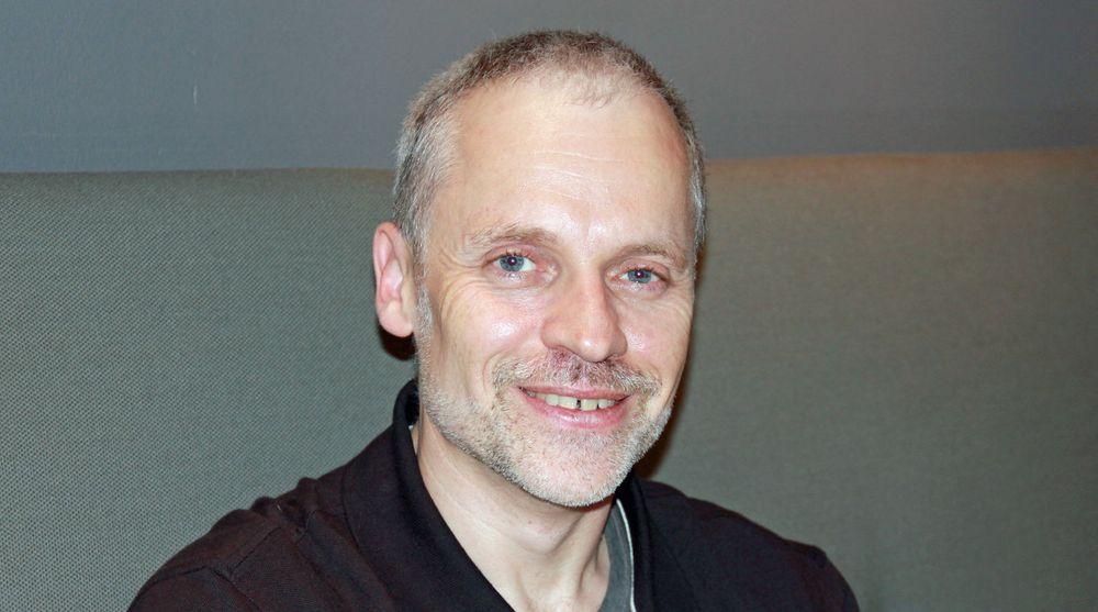 Damian Conway kalles både Perl-rockestjerne og «the Mad Scientist of Perl». Han er spesielt kjent for sine festlige foredrag.