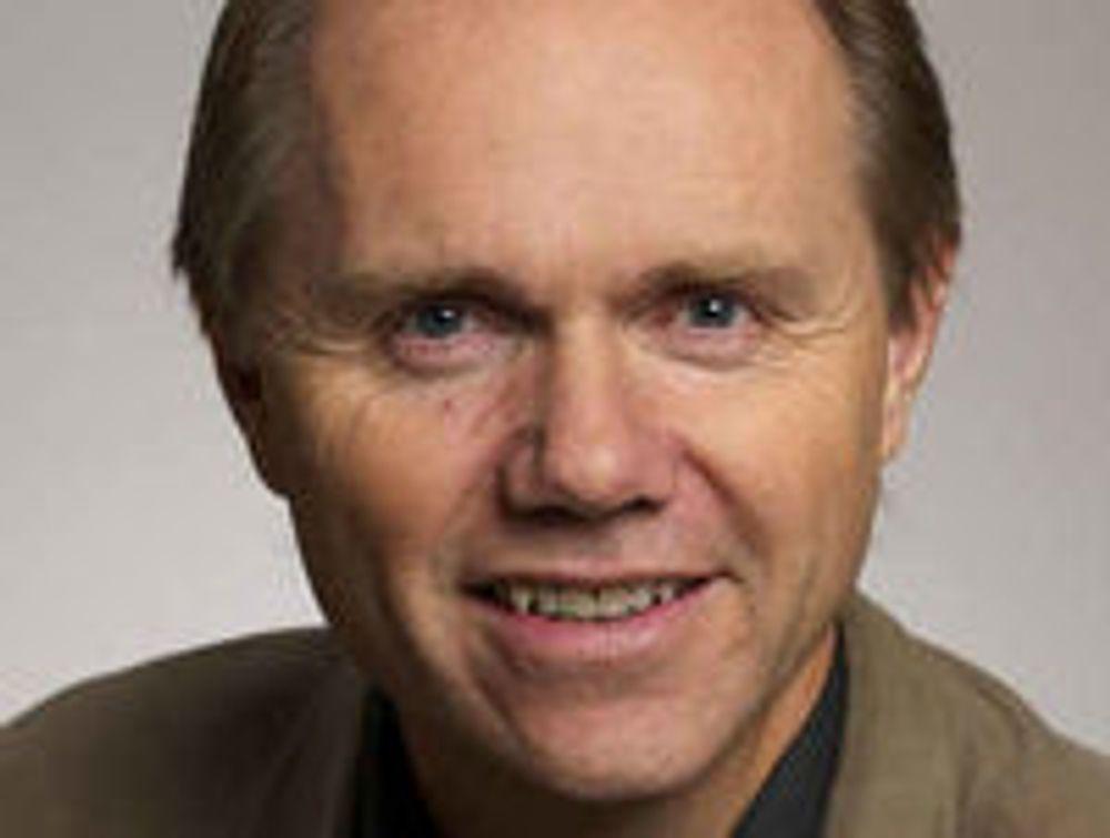 - Forlagene frykter ikke den teknologiske utviklingen, sier informasjonssjef Bjarne Buset i Gyldendal. Selv er han ivrig ebok-entusiast og blogger.
