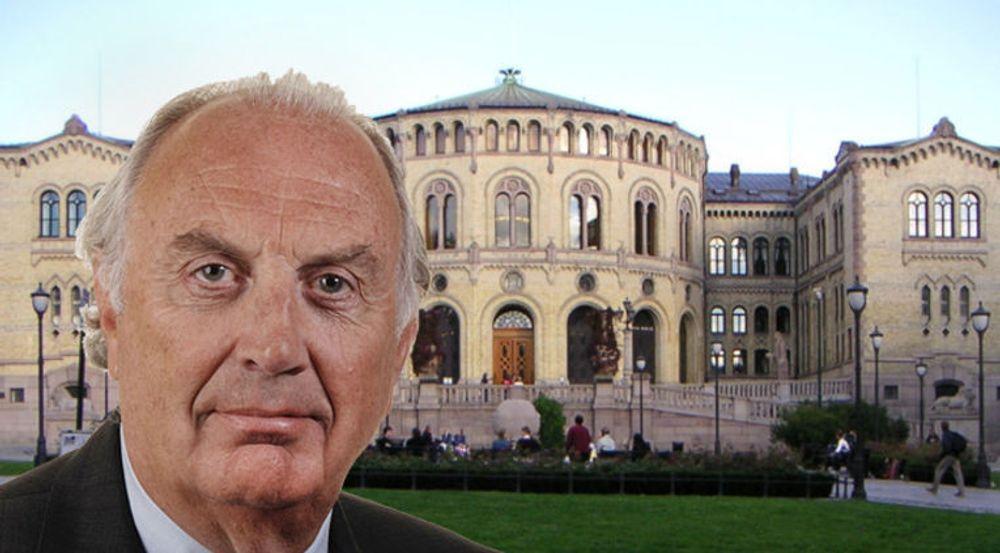 Stortingsrepresentant Svein A. Flåtten (H) reagerer skarpt på at regjeringen profilerer statlige Entra Eiendom sine datasenter-planer på sine nettsider. Nå blir saken tatt opp i Stortinget.