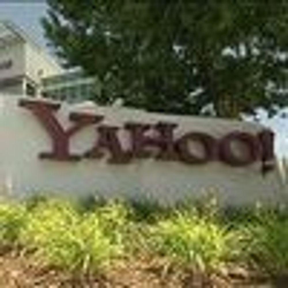 Yahoo henger etter rivalen Google