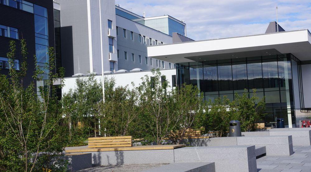 IT-trøbbel ved Akershus universitetssykehus i Lørenskog. Operasjoner blir utsatt som følge av harddisk-krasj.