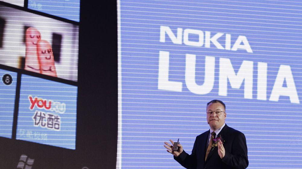 BLANDET: Salget av Nokias Windows-baserte Lumia-serie har vært blandet, sier toppsjef Stephen Elop. Totalt er det solgt om lag to millioner enheter til nå.