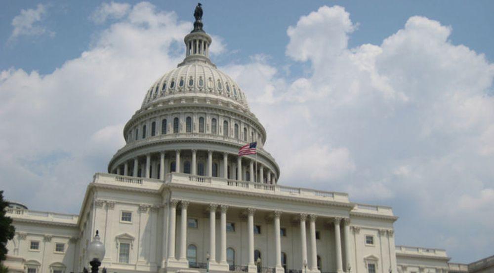 USAs lovgivere diskuterer denne uken et forslag til Cybersecurity Act som har støtte fra ledende senatorer fra begge partier. Borgerrettsaktivister er spent på om det bedrede personvernet vil greie seg gjennom debatten.