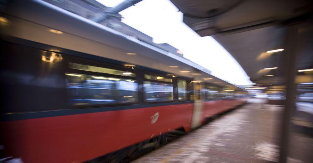 Alle tog i Norge stanset i tre timer etter at det lukkede GSM-R-nettet gikk ned for telling.