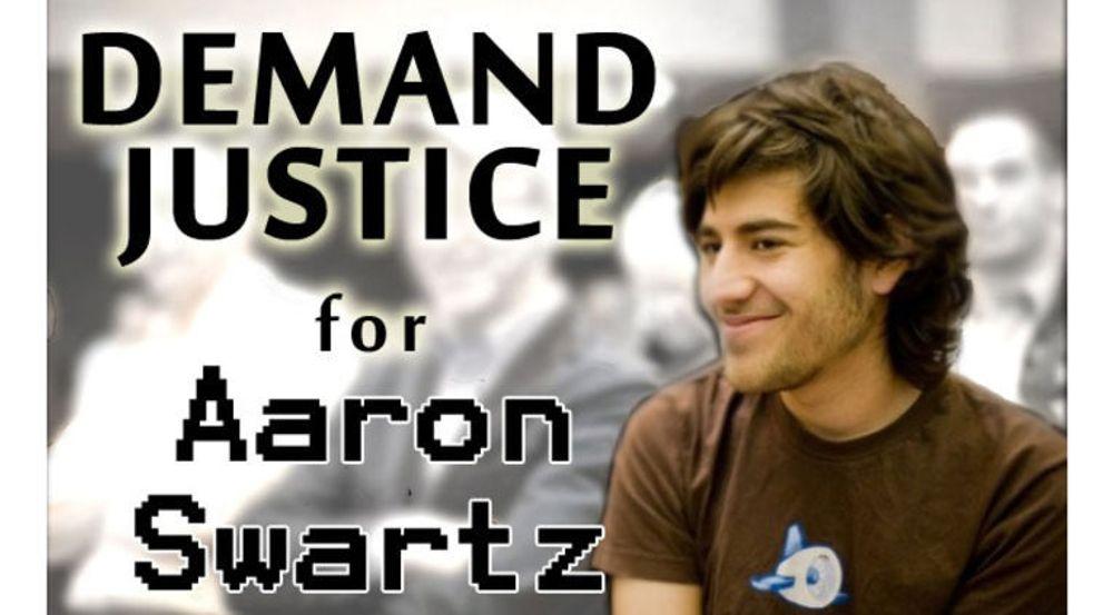 Demand Progress, bevegelsen initiert av Aaron Swartz for å bekjempe SOPA (Stop Online Piracy Act), ber om man skriver under på et krav om at USA må få en ny justisminister.