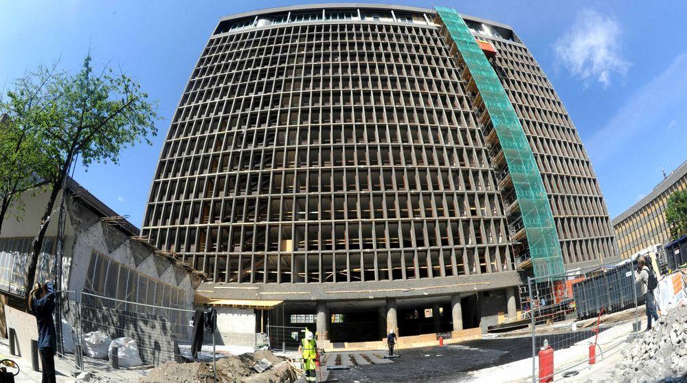 DSS sier seg ferdige med alle tiltakene for å utbedre den elendige IT-sikkerheten i regjeringskvartalet, som påtalt av Riksrevisjonen i 2010. I mellomtiden ble regjeringskvartalet smadret av terrorbomben 22. juli 2011, noe som medførte forsinkelser i arbeidet.