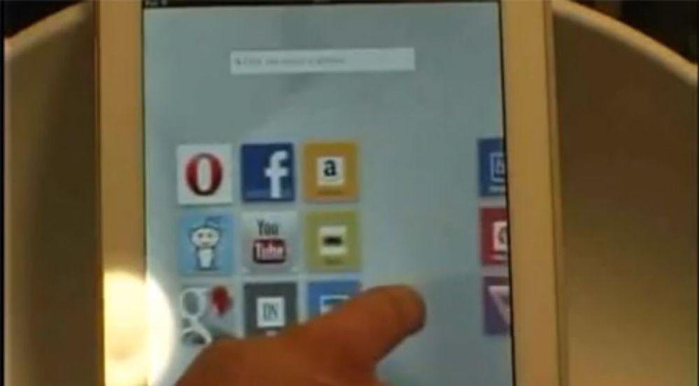 Nettleseren Opera Ice blir her presentert i en lekket video, angivelig fra et internmøte for ansatte i Opera Software før jul. Her blir nettleseren demonstrert på et Apple iPad-nettbrett.