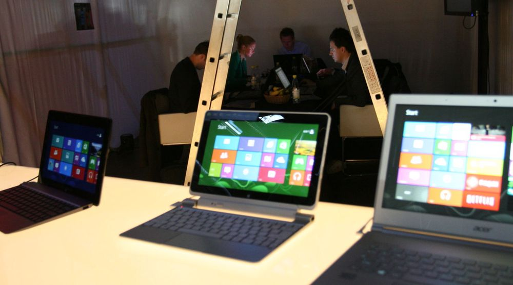 Microsoft avvikler nå rabatten på Windows 8. Bildet er fra lanseringen i Stockholm 26. oktober i fjor.