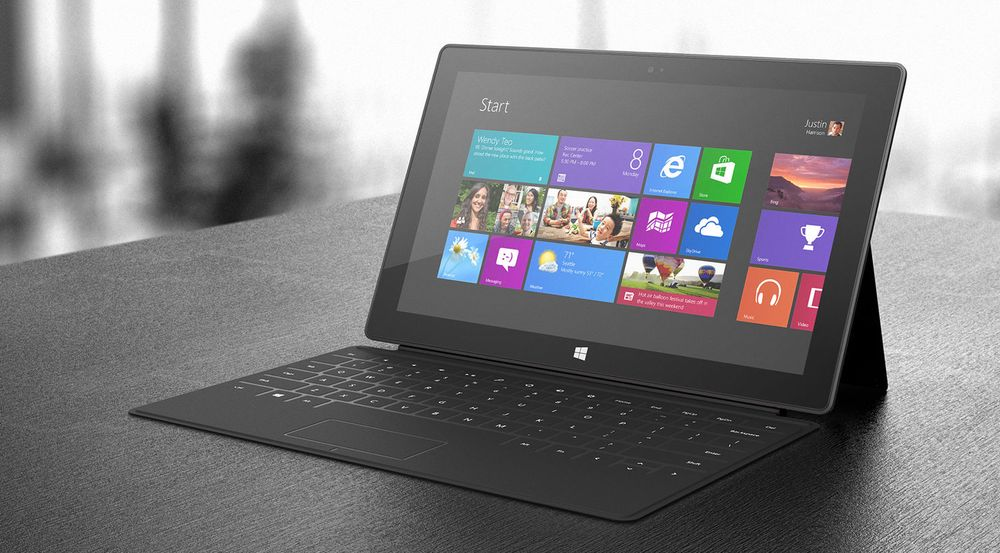 Mye tyder på at Microsofts eget Windows RT-nettbrett, Surface RT, selger langt bedre enn tilsvarende produkter fra de tradisjonelle pc-leverandørene. Dette til tross for at også salget av Surface RT angivelig skal ha gått ganske tregt i fjerde kvartal i fjor.