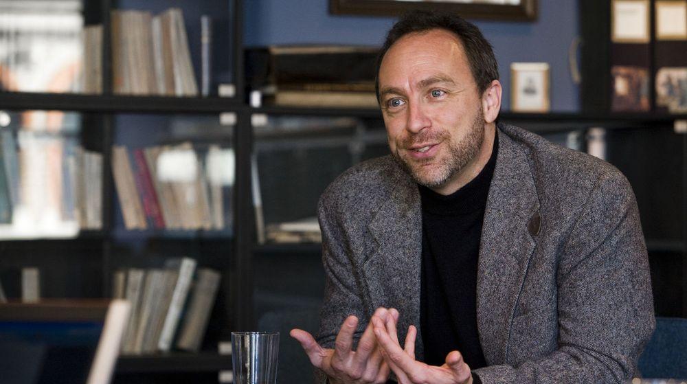 Wikipedia-grunnlegger Jimmy Wales har grunn til å glede deg. Hele 7,5 millioner dollar fra brukerne redder driften i 2010.