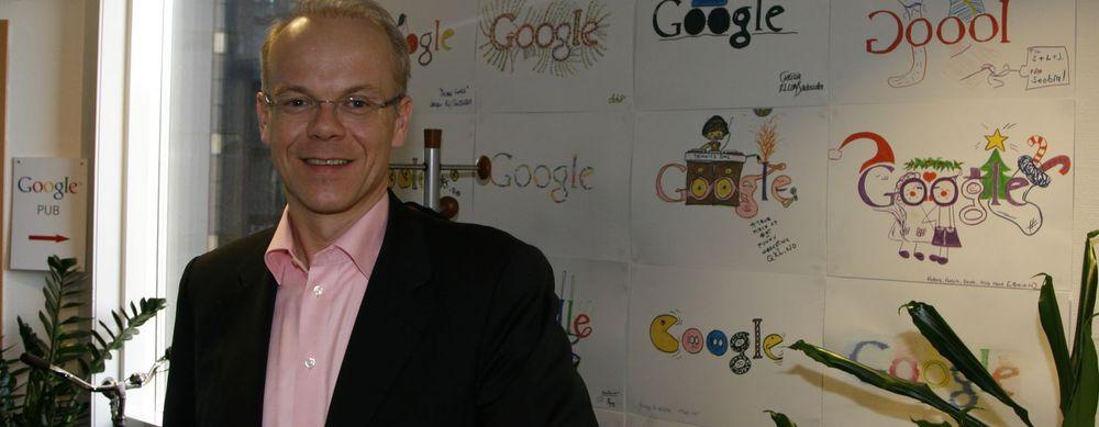 Jan Grønbech i Google Norge er svært fornøyd med selskapets mobiltelefon. Nå vil han bestille flere til resten av familien.