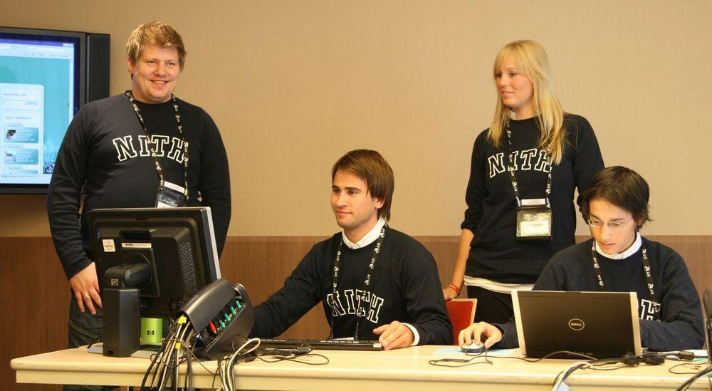 Studentprosjektet eBuster representerer Norge i den internasjonale Imagine Cup konkurransen. Fra venstre: Kristian Soelve Ravndal, Christian Johannessen, Trude Martinsen og Richard Dante.