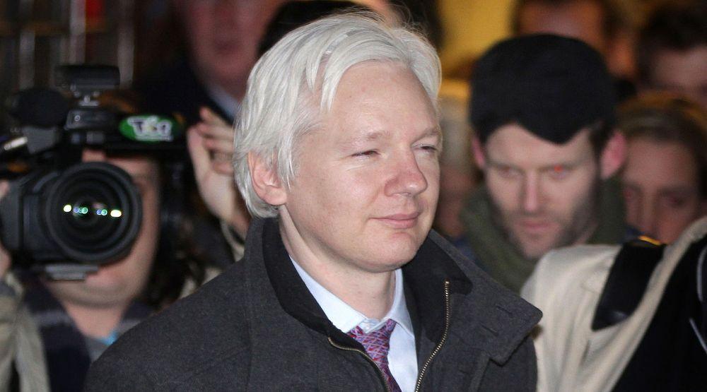Britisk høyesterett har bestemt at Wikileaks grunnlegger, Julian Assange, kan utleveres til Sverige. Han vurderer nå anke til menneskerettighetsdomstolen i Strasbourg.