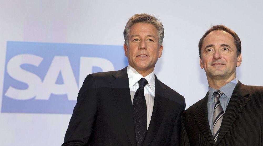 SAPs to toppledere, Bill McDermott (t.v) og Jim Hagemann Snabe, har sikret seg Ariba for over 25 milliarder norske kroner. Dermed sikrer de seg en konkurrent og en betydelig nettsky-leverandør.