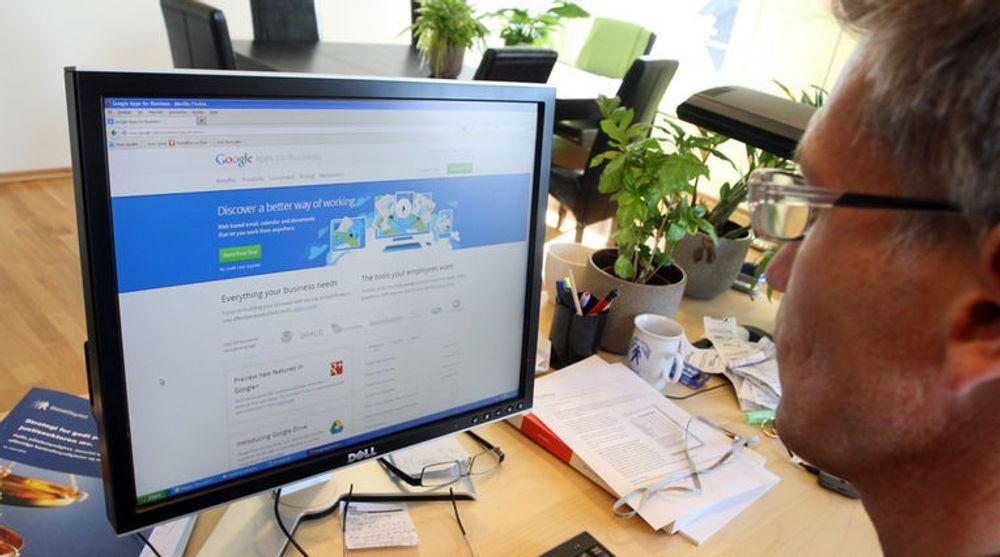 Maktesløs: Datatilsynets direktør Bjørn Erik Thon (bildet) kan ikke stanse utlevering av nettskydata fra Google Apps til USA. Nå åpner han for bruk av Google Apps blant norske virksomheter, men gir ingen blankofullmakt.