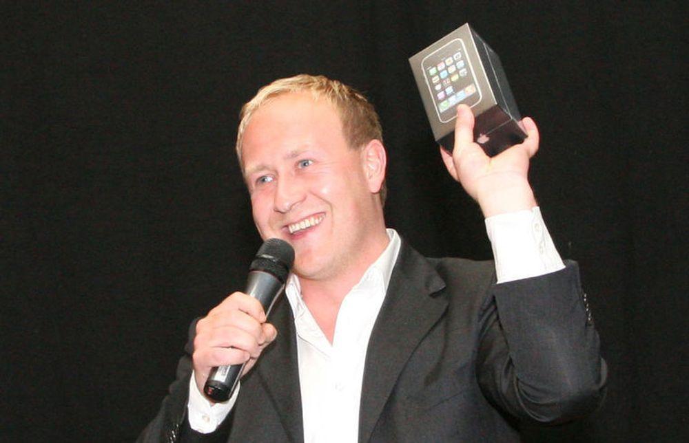 Netcoms kommunikasjonsdirektør, Øyvind Vederhus, lover nye iPhone-leveranser hver onsdag fremover.