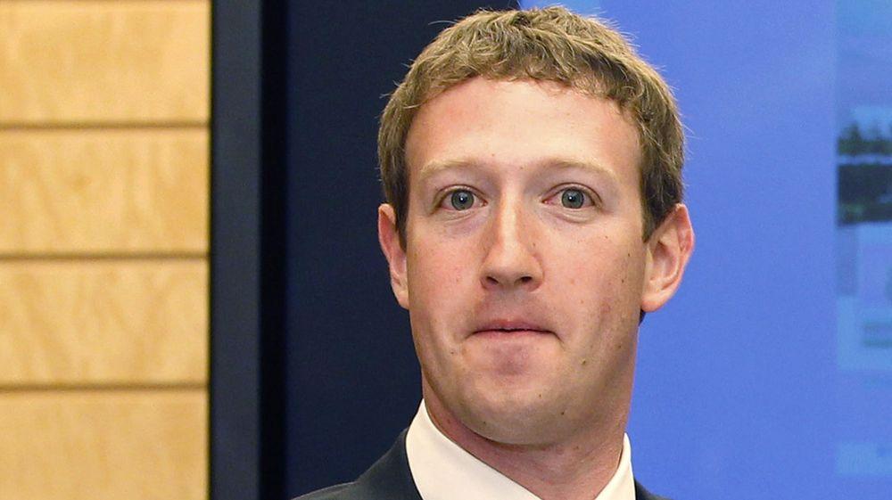 Mark Zuckerberg har all grunn til å være fornøyd. 28-åringen har gått forbi Larry Page og Sergei Brin på listen over de rikeste i verden og han har rundt 100 milliarder kroner til å kjøpe opp eller investere for.