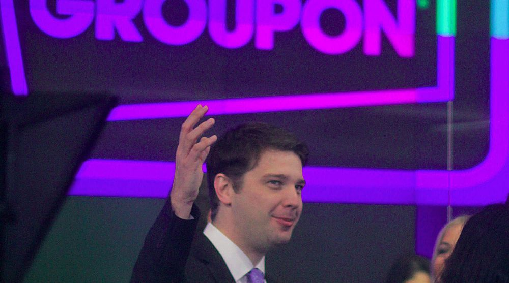 Andrew Mason, toppsjef i Groupon, kunne i går melde om et langt bedre resultat enn ventet for selskapet. Da de gikk på børs i fjor gikk det ikke bra. Selskapets aksjer kollapset og falt over 40 prosent på et halvt år.