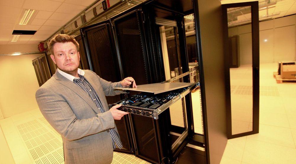 Basefarm har en ledig datahall på 250 kvadratmeter, der de tilbyr plass fra et rack og oppover, forklarer produktsjef Tom Andersen.