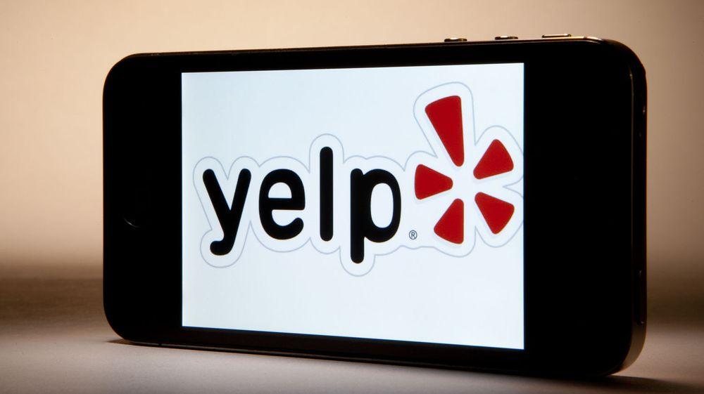 Den amerikanske nettjenesten Yelp etablerer seg i Norge. Selskapet gikk på børs tidligere i år og tjener pengene på lokale annonsører.
