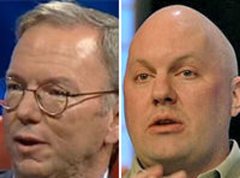 Googles styreformann Eric Schmidt (t.v.) mener det er en IT-boble på gang. Investor og Netscape-gründer Marc Andreessen er uenig.